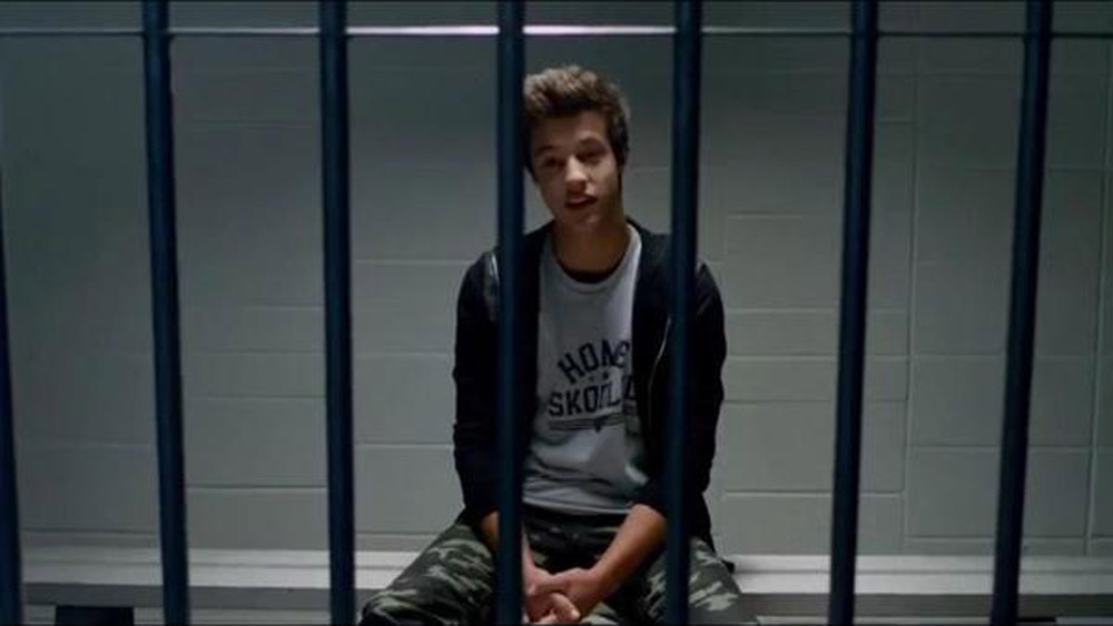 Breaking Vine Star Cameron Dallas Was Arrested While