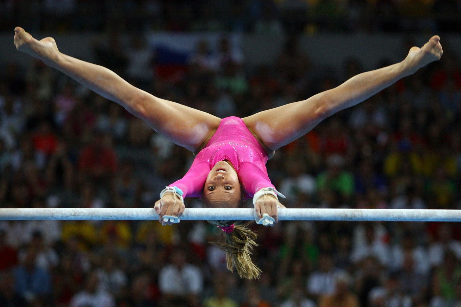 Фото гимнастка на шпагате 9 фотография
