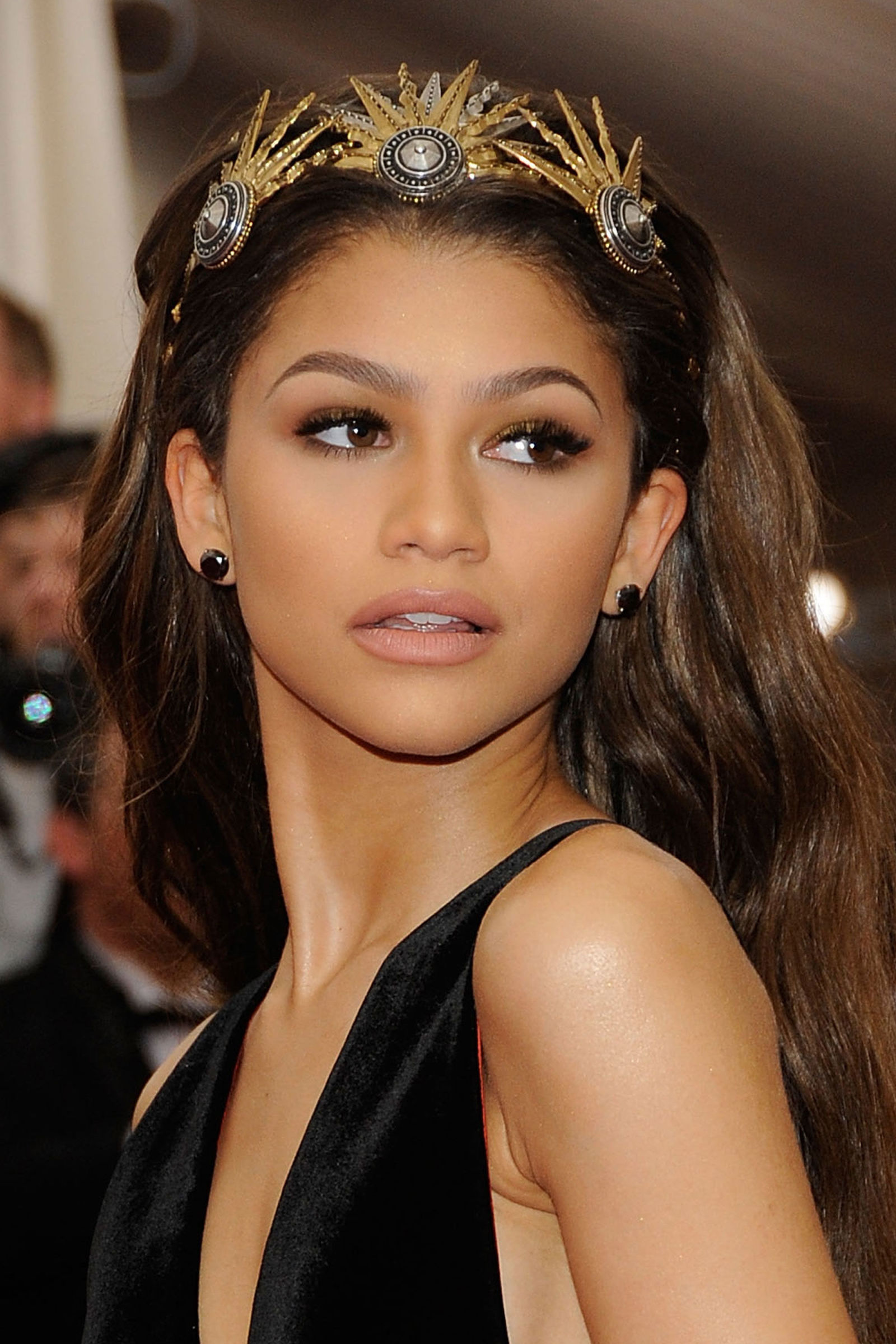 school formal dresses your ultimate prom style guide zendaya headband prom hairstyle