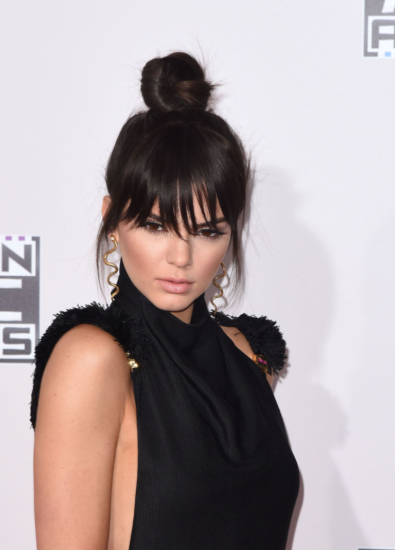 Awesome Get Kendall Jenner39S Faux Bangs With This Genius Hair Tutorial Short Hairstyles Gunalazisus