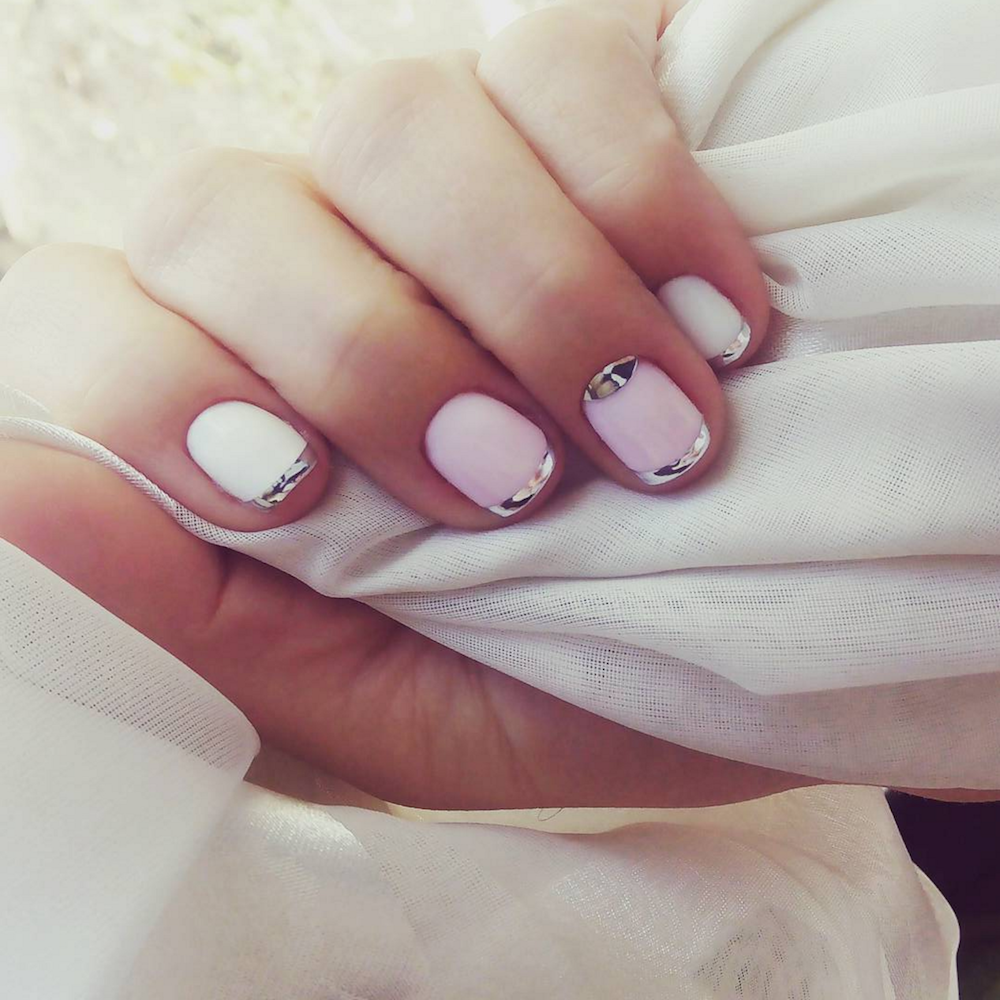 Mirror Nails Are The Totally Instagramable Nail Trend You