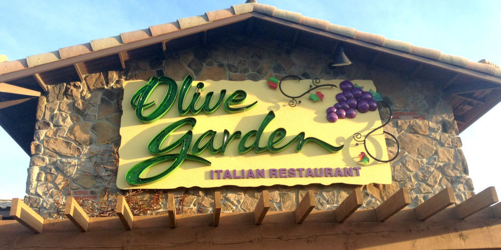 Here 39 S How To Score Free Dessert At Olive Garden On Prom Night