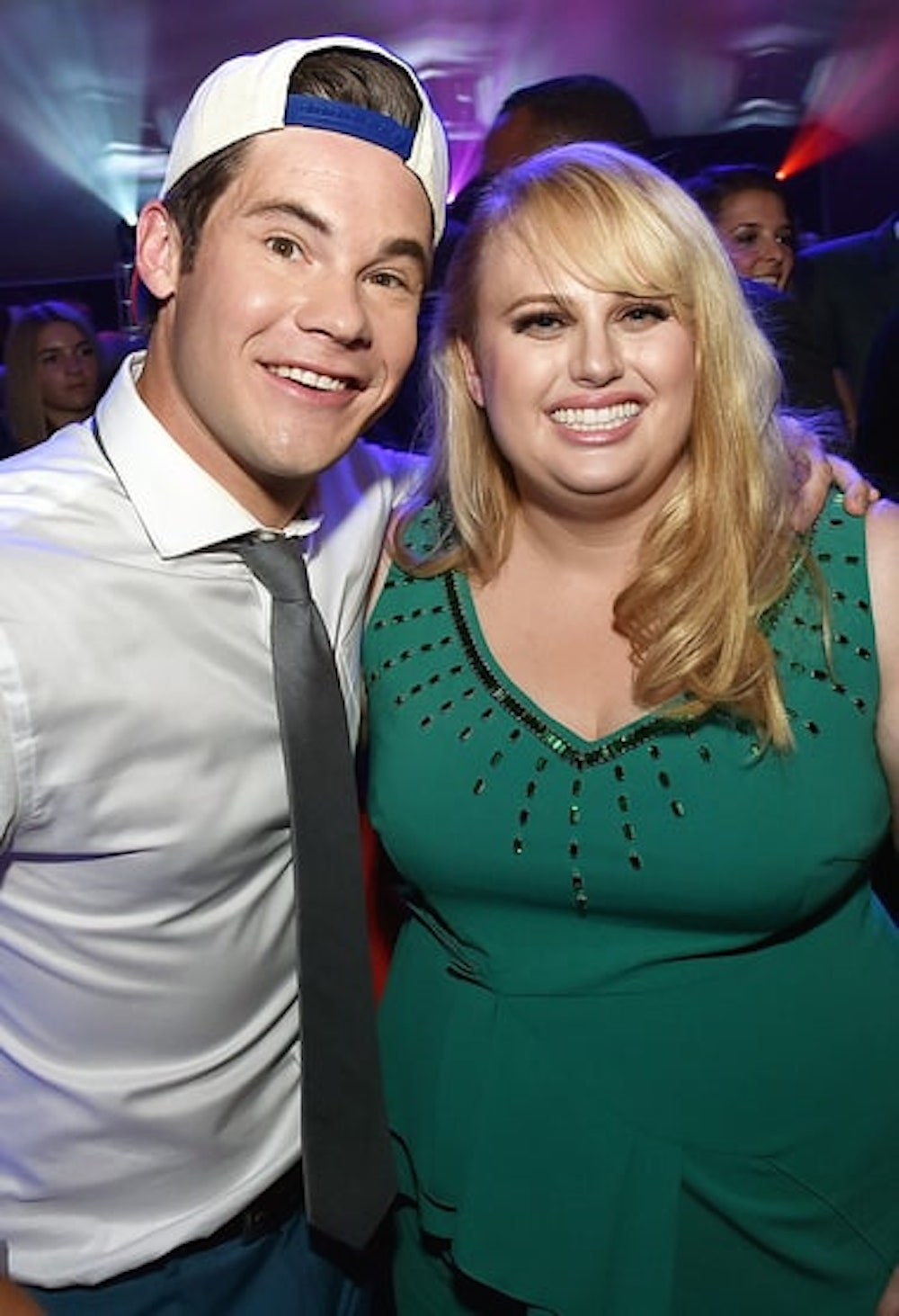 Rebel Wilson And Adam Devine S Sloppy French Kiss Won The