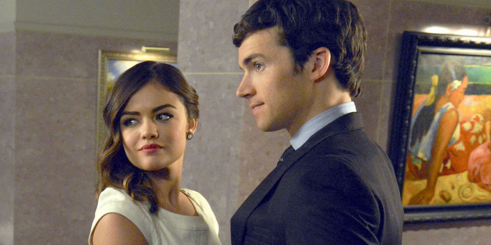 who has spencer dating in pretty little liars This post contains spoilers for the pretty little liars series finale of course spencer had an evil twin and of course that twin was english and, yes, of course that evil twin turned out to be the seemingly omniscient ad.