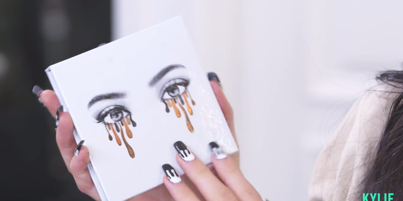 Breaking Kylie Jenner Releases Her First Ever Eyeshadow