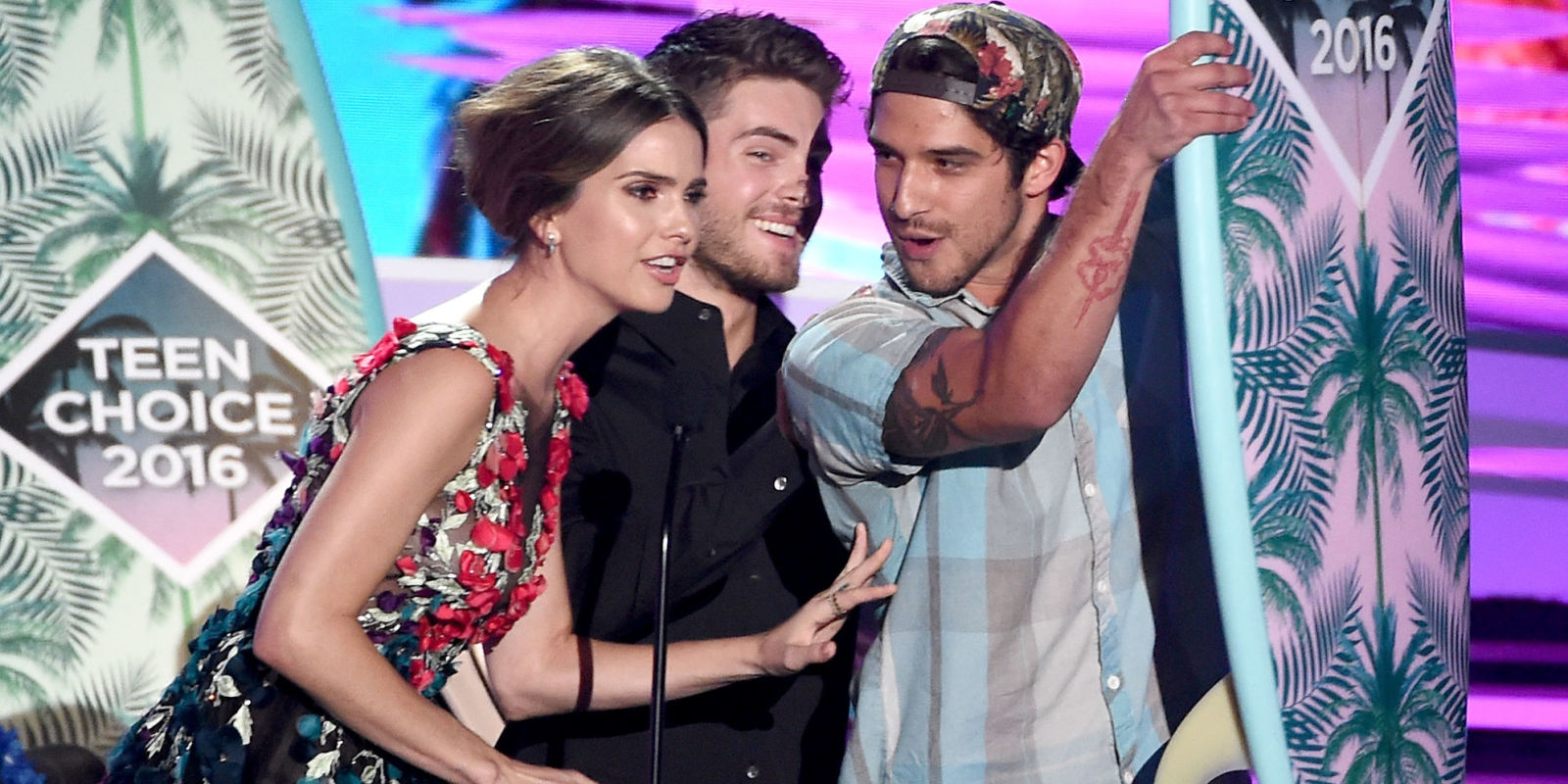Lily Pulitzer Starbucks Are The Teen Choice Awards Rigged Shelley Hennig Teen