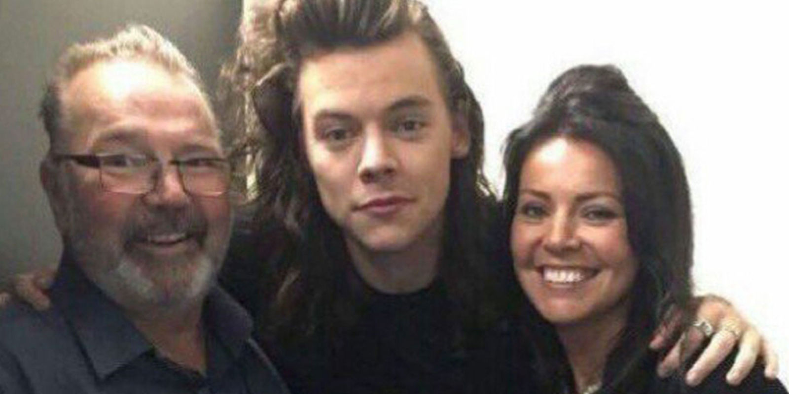 Harry Styles' Stepdad Dies at Age 57 After Battle With Cancer
