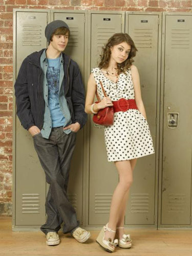 "geek charming co stars dating The tight knit cast and creator of classic sitcom everybody loves raymond spoke out thursday  co-stars, hollywood react to  ""charming"" and ""an integral ."