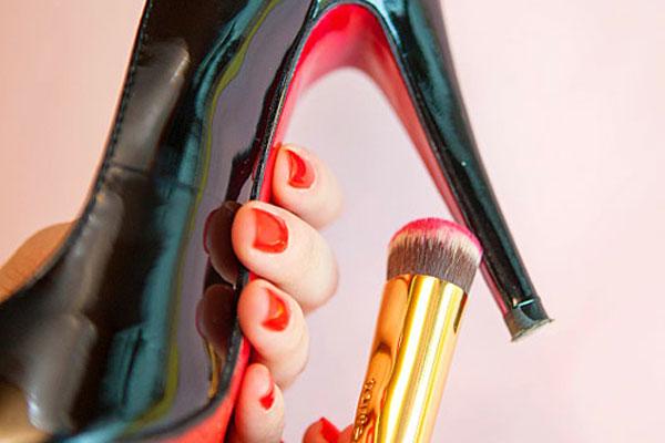 10 cosas geniales para hacer con un esmalte de uñas - Imagen 9