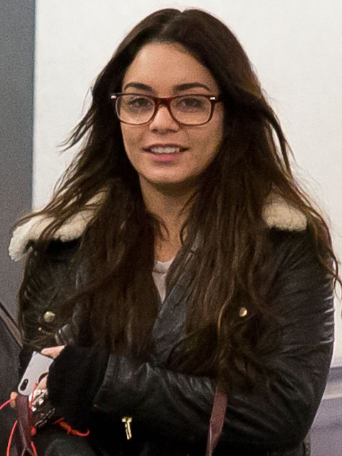 13 Celebrities Who Wear Glasses Pictures Of Celebrities