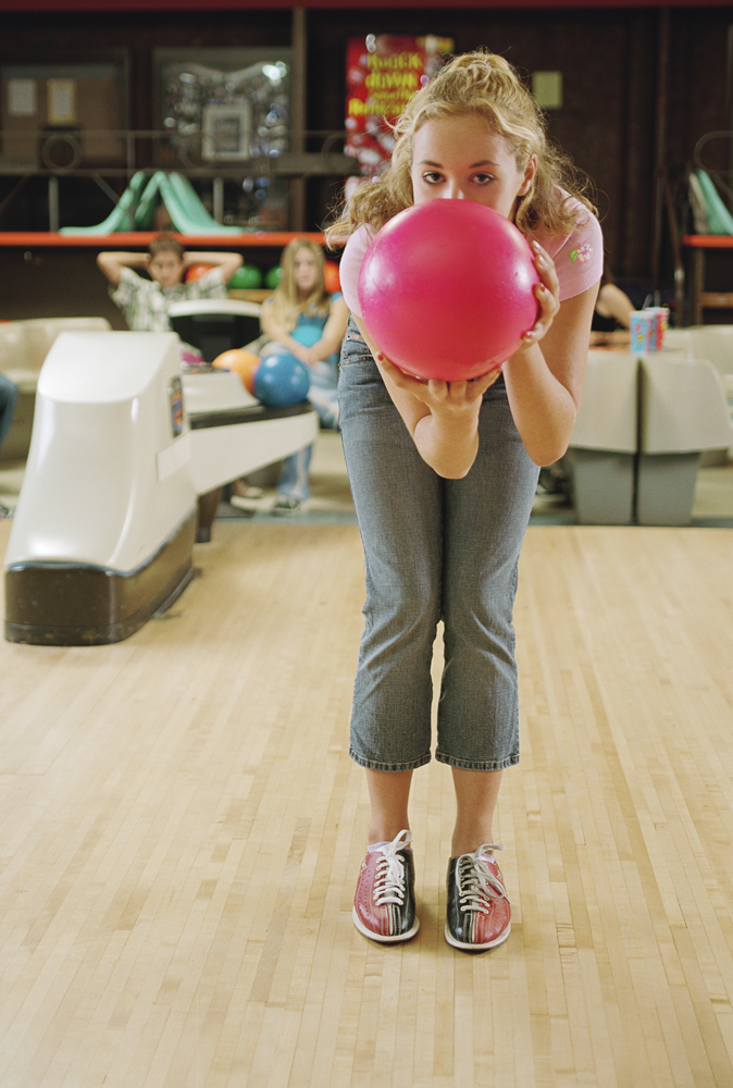 dating bowling Ok so i'm going on a date this fridaywe are going bowling and then out for food so my question is, how do i make bowling fun/flirty liven it up so she has a good time so i get a second.