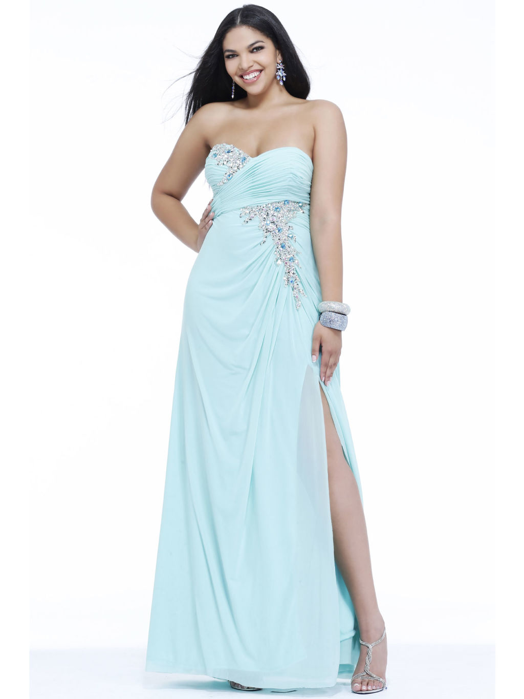 Seventeen Best Prom Dresses - Plus Size Prom Dresses