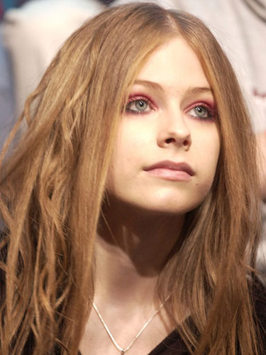 Avril Lavigne Beauty Looks Avril Lavigne Through The Years