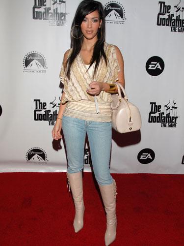 54ee6bccbccef_-_2006-kim-kardashian-16749200-lgn.jpg
