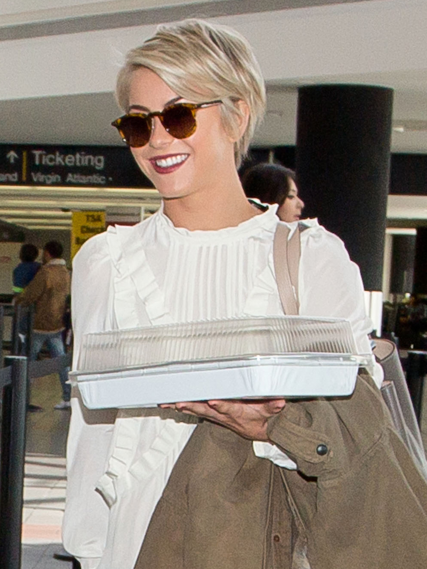 9 pixie haircuts amp hairstyles we love celebs who prove