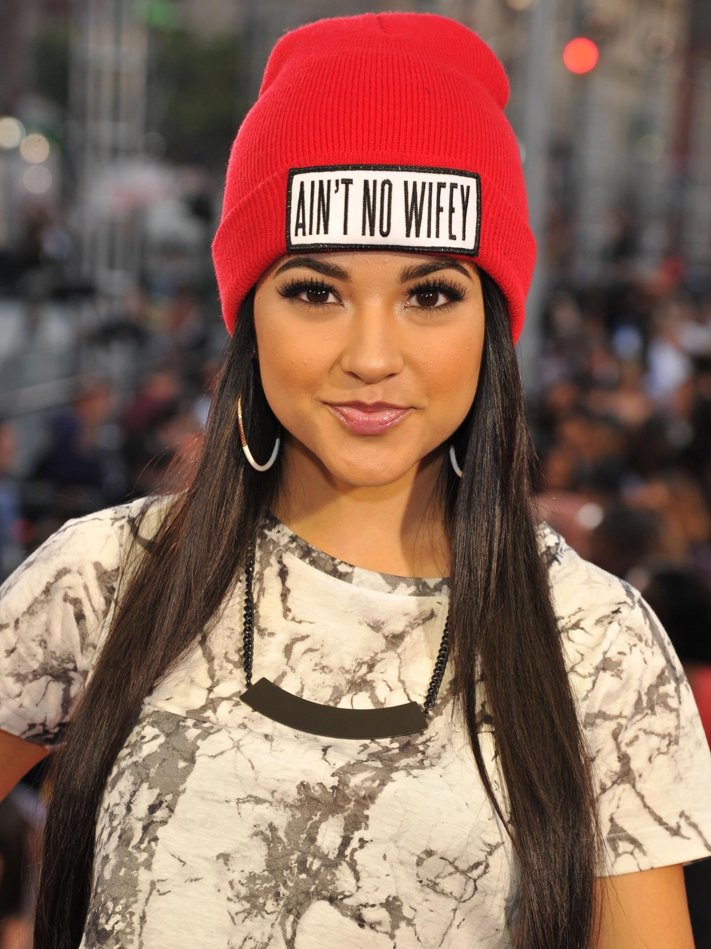 Celebrities Wearing Hats Hat Trends For Women