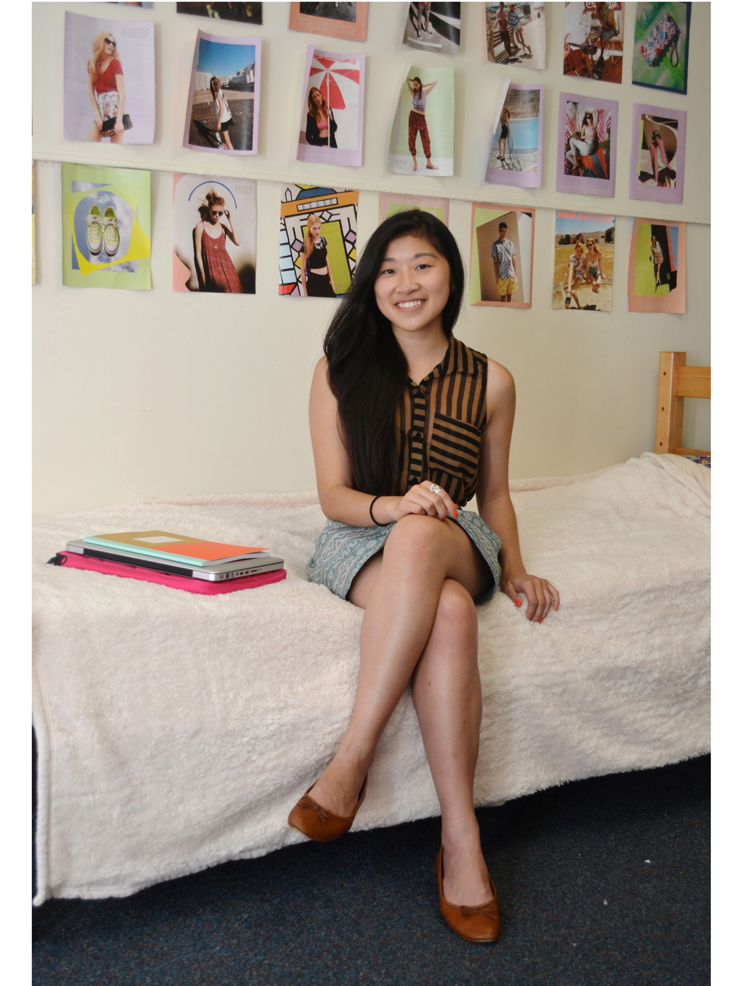 College dorm room ideas decorating your dorm room - Space saving tips for your dorm room ...